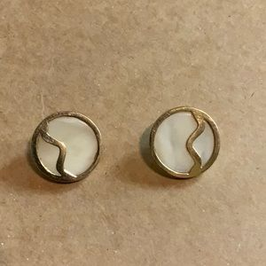 10K YELLOW SOLID GOLD MABE PEARL Stud Earrings